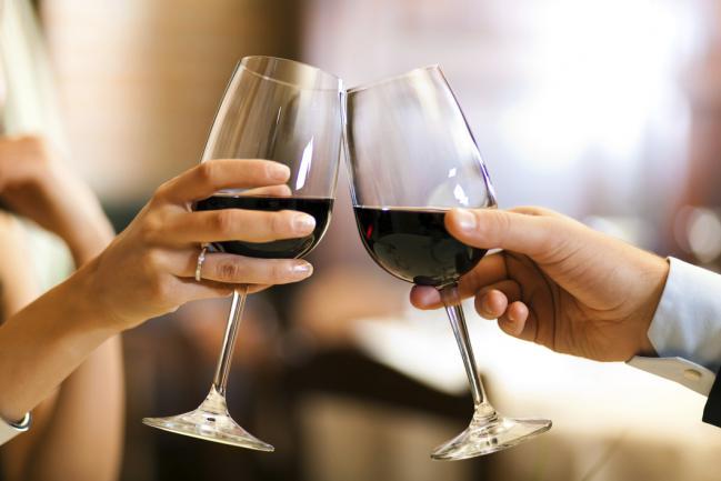 los-mejores-vinos-para-cenas-romanticas-1
